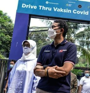 Sandiaga Salahuddin Uno Tinjau Vaksinasi